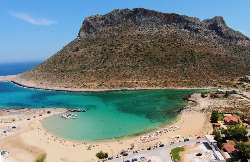 Stavros cove 5 minutes from the villas