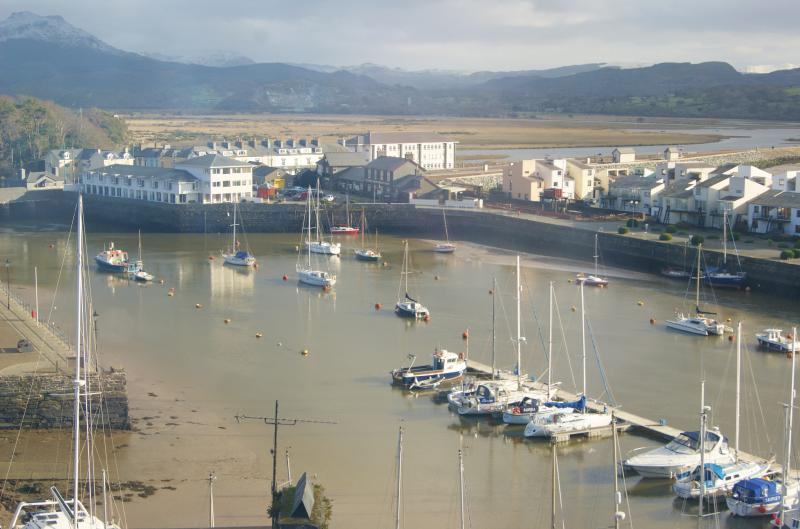 Harbour View Porthmadog, stunning mountain views across the harbour