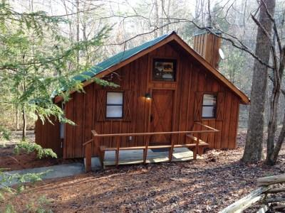 Cades Cove Hide Away Exterior
