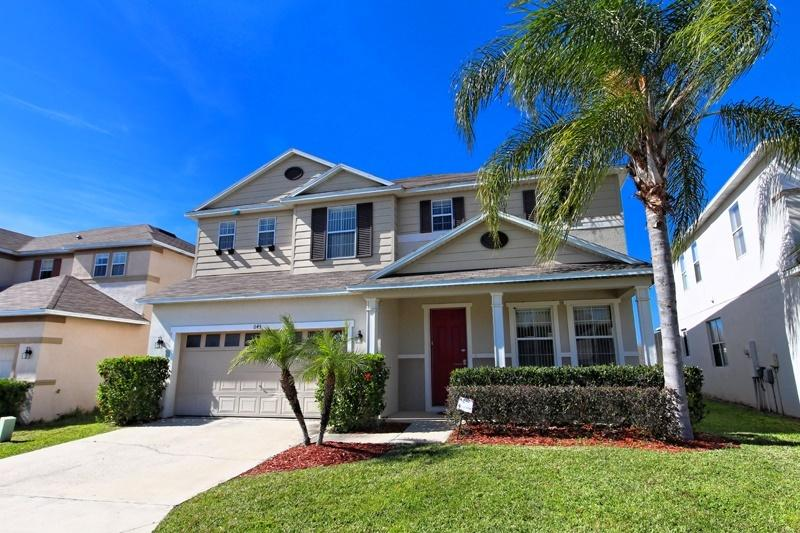 Kettering Retreat. Legacy Park, The Retreat, Davenport, Florida. Luxury 5 Bed Pool Home.