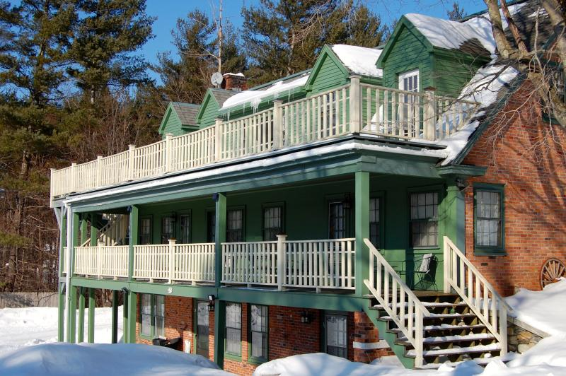 Your ideal winter ski house - and great for VT horse show too this summer!
