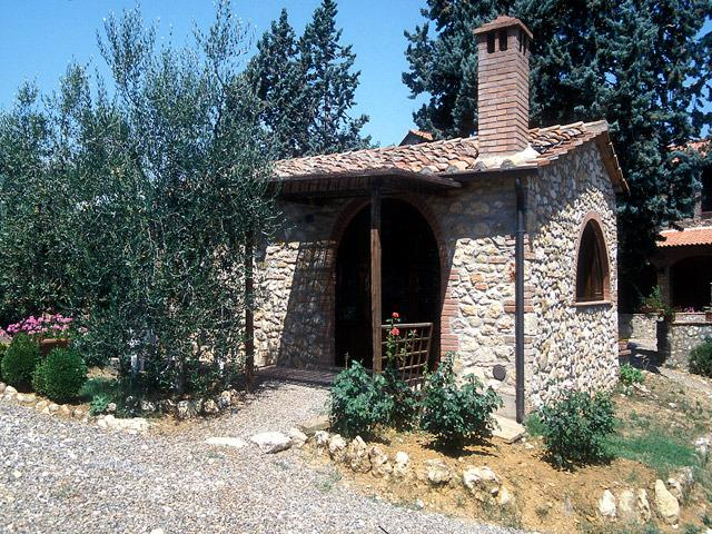 The sweet little cottage of 'Noce'.