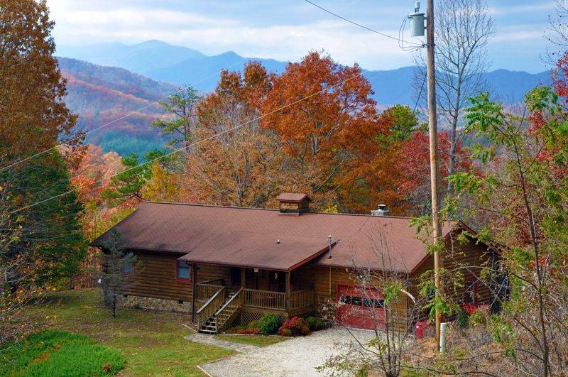 Big Bear Retreat, A Log Cabin in the NC Smoky Mountains