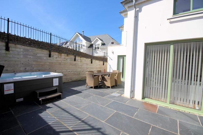 1 Point View Croyde Holiday Apartment South Facing Terrace
