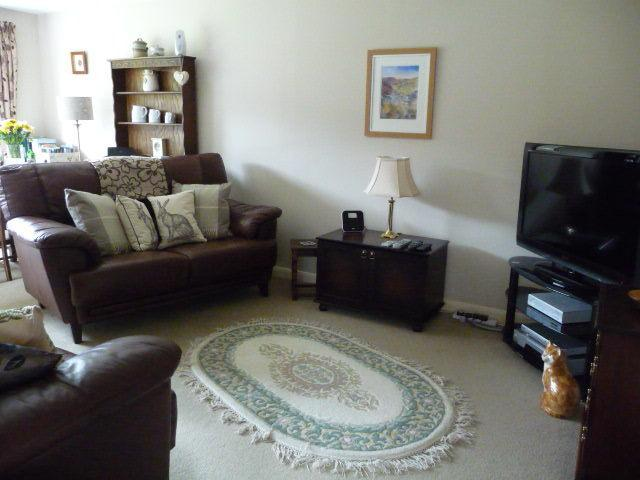 Cosy on up.....flat screen TV with Sky freesat digital television
