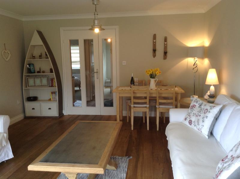 Lovely, cosy, spacious lounge to relax in after a day on the Beach!!