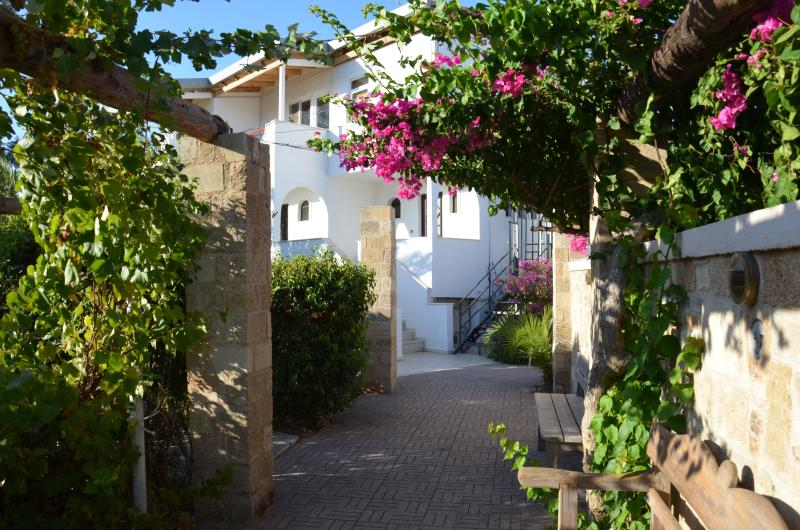 Villa Panagos, apartment 90sqm - the place to be! Situated close to the beach, bars and shopping!