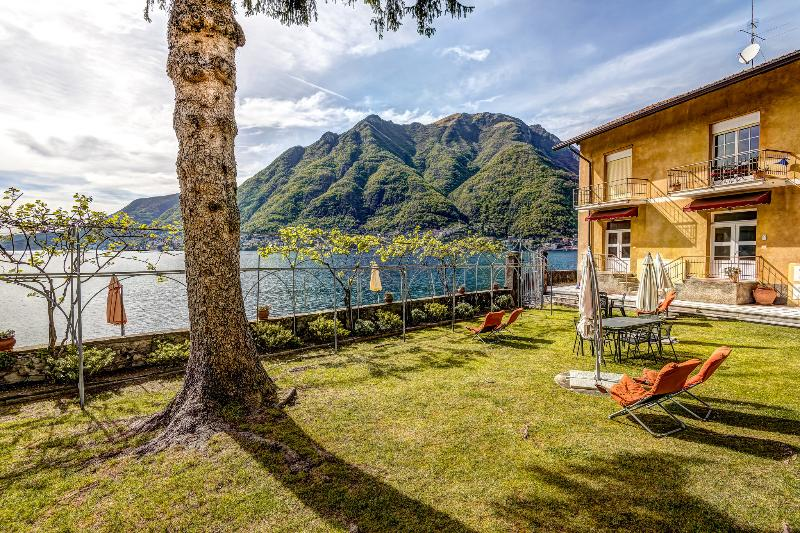 Lovely gardens in front of the villas with views of Lake Como from the beachfront and gardens.