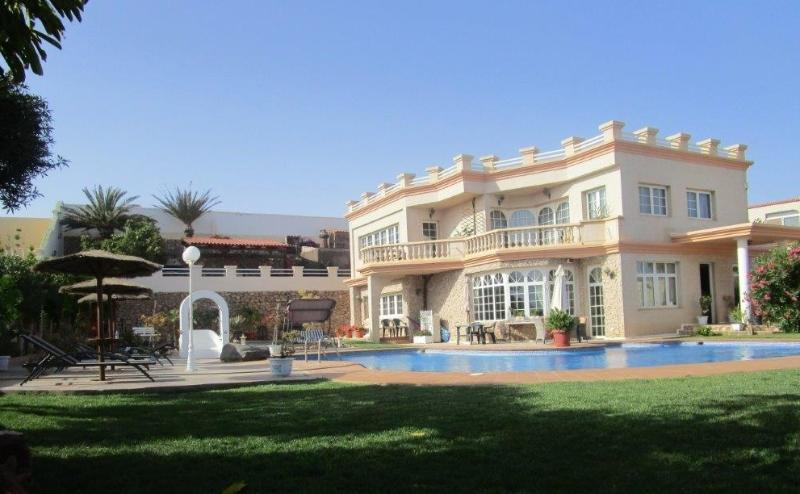 Fuerteventura Serenity has 2 Luxury Bedrooms, plus a Self-Catering Apartment within