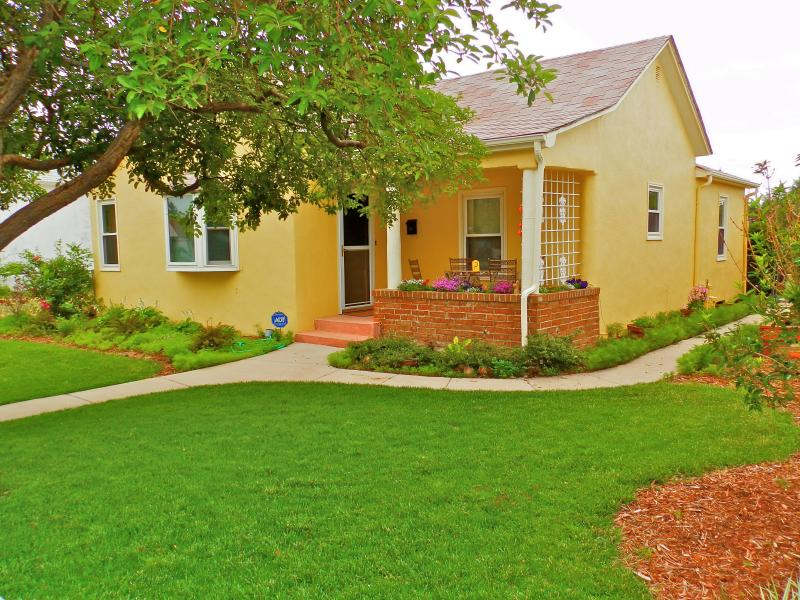 1914 Tuscany Style Renovated 4 Bedroom Home~Close to AFA & Downtown