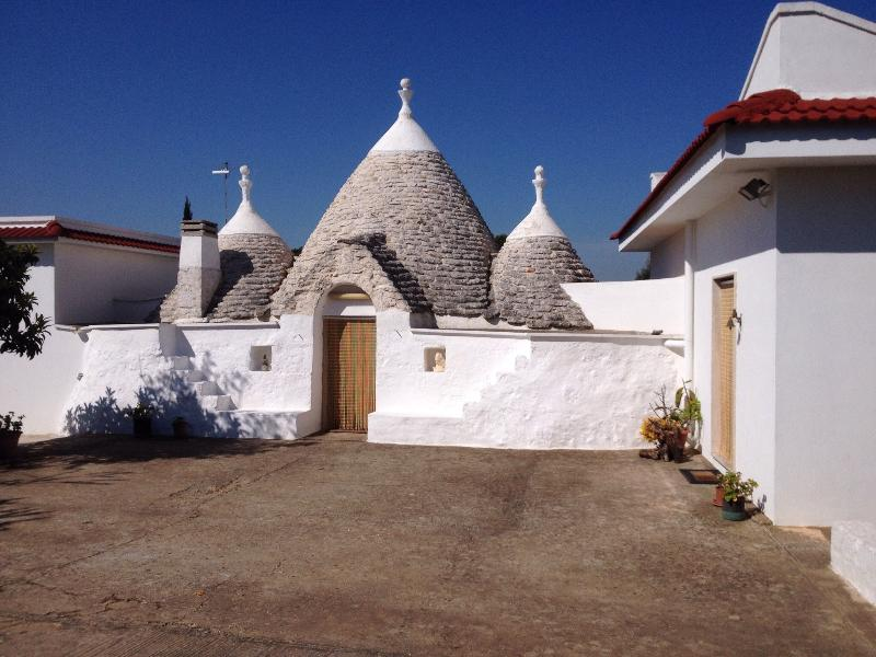 Trullo on an April morning