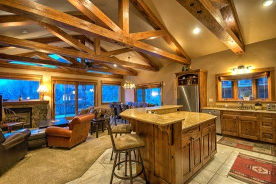 Amazing kitchen With Stainless Steel Appliances, Island, Granite Counter tops