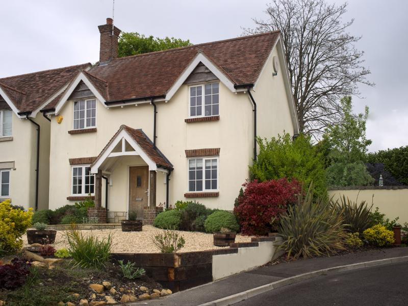 Wren Cottage sits in an elevated and quiet position in the historic village of Tolpuddle