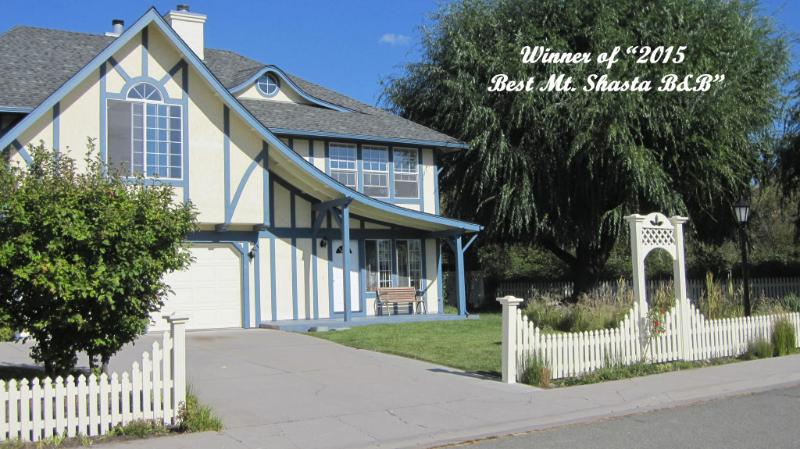 Grand Award Winner '2015 Best Mt. Shasta B&B'