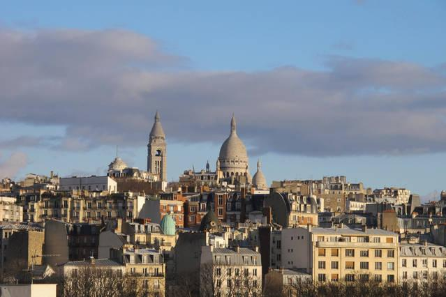 Wonderful view on Sacré Coeur with private terrace