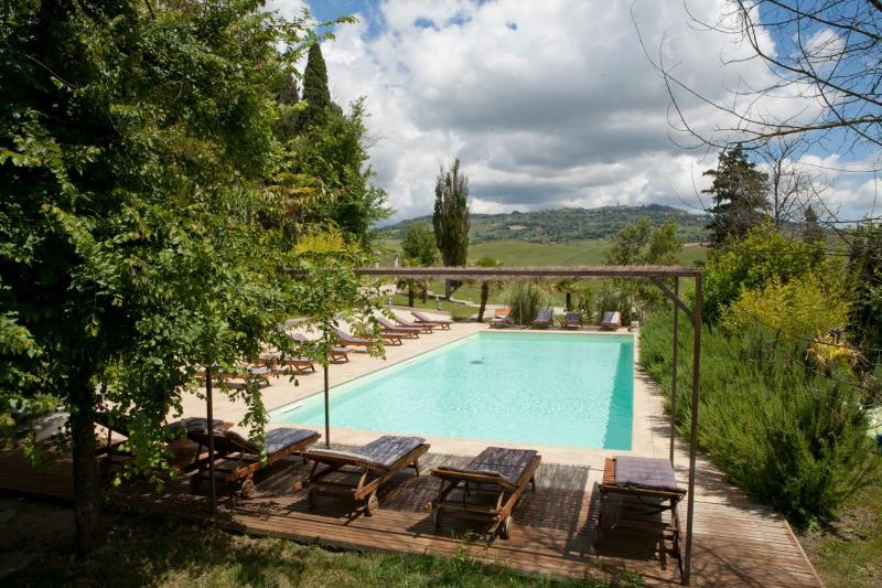 APARTMENT TUSCANY FOREVER GIGLIO C max 4 guest BOUTIQUE VACATION RENTAL IN VOLTERRA  swimming po
