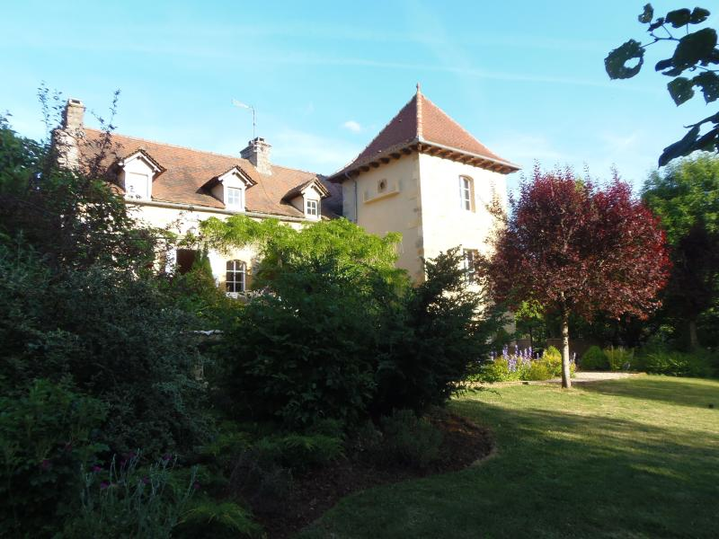Les Fontaines Country House