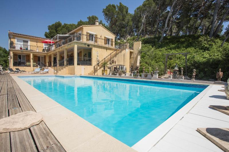 Villa la Pinede apartments with heated pool