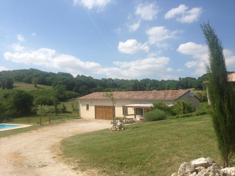 Privste Gite 'Blanc' and Pool surrounded by wonderful panoramic views