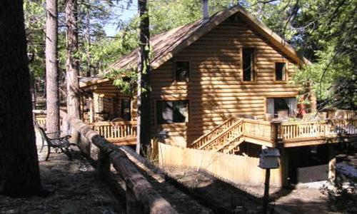 2 Bedroom + Guest cabin, Sleeps 8, Wifi, Pets Ok: Two story natural log cabin