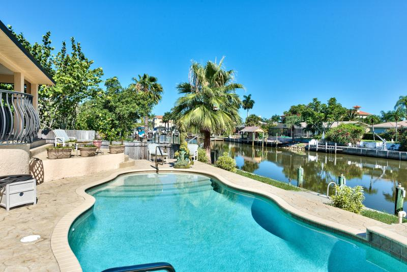 Naples Florida Vacation Homes pool beach house