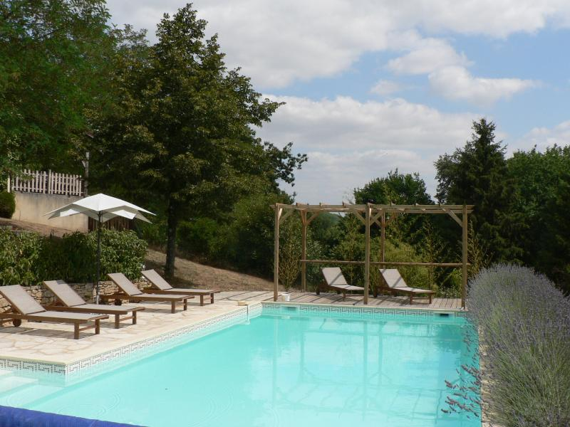 A great sunbathing area around the private pool