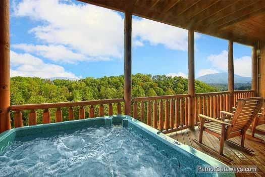 Hot Tub at Majestic Mountain View