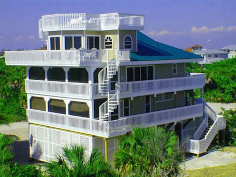 Professionally-decorated luxury beach house only 50 yards from the beach!