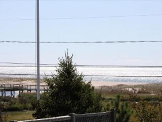 Chatham Vacation home, only 0.1 miles to Ridgevale Beach!