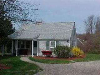 Lovely Cape Cod Vacation Bungalow located in Rock Harbor area of Orleans!