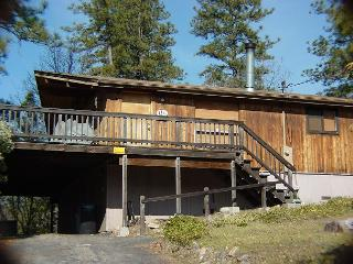 3 Bedroom, 2 Bath Cabin, Sleeps 8 - between E. Sonora and Twain Harte.