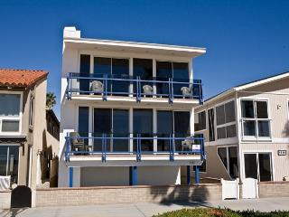 Enjoy the Views at this Lower 3 Bedroom Oceanfront Condo! (68136), Newport Beach