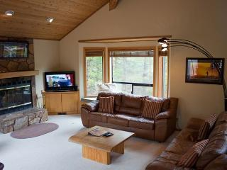 Ski Specials Sunriver Home with Flat Screen TV and Hot Tub Near North Store