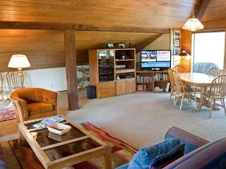 Lift Ticket Deals Sunriver Home with Wifi and Hot Tub Near North Store