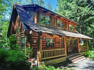 Bear Den Log Cabin - Creekside, Fireplace, Dogs OK - Mount Hood vacation rentals