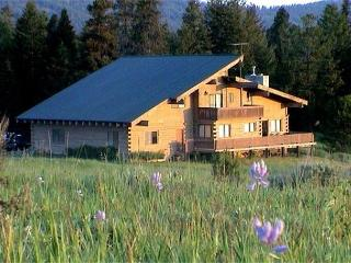 Spacious Lodge Style Home On Large Acreage and Extra Parking, McCall