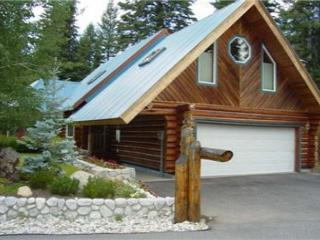 Spacious Log Home on Golf Course with Private Hot tub., McCall