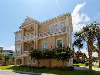 Near Ocean 5BR/5BA Home w/ Pool and Elevator will be Exciting Retreat, Hilton Head