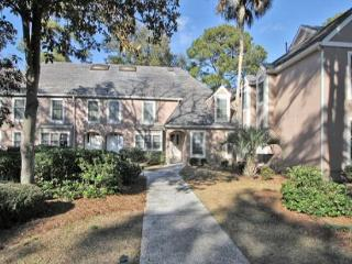 3BR/3BA Townhome is Spacious and Totally Re-decorated and has Lagoon Views, Hilton Head
