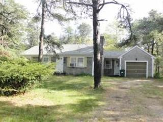 PET FRIENDLY, COMFORTABLE CAPE COD VACATION HOME LOCATED IN EASTHAM!, Eastham