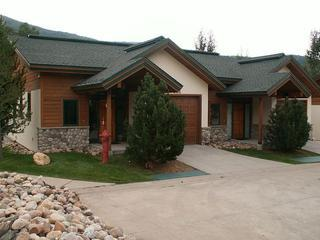 Evergreens 3 BR Townhome - Pool Year Round, Steamboat Springs