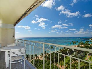 Waikiki Shore #1010 - Beachfront 1-bedroom, full kitchen, washer/dryer, A/C, WiFi, sleeps 4. - Waikiki vacation rentals