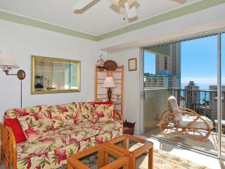Waikiki Park Heights #1710 - One-bedroom with ocean view and central AC; 5 min. walk to beach. Sleeps 4. - Waikiki vacation rentals