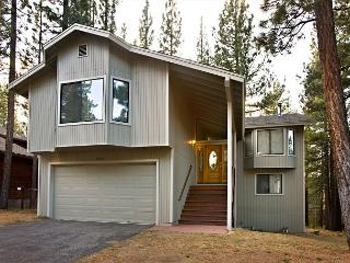 Spacious home that backs to the forest!, South Lake Tahoe