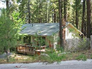 Perfect couples retreat with a hot tub and near Heavenly, South Lake Tahoe