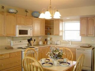 Kitchen area - Anglers Cove F502 - Marco Island - rentals