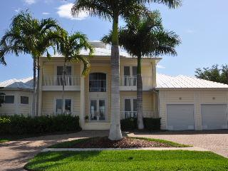 Nassau Ct - NAS451 - Gorgeous Waterfront Home!, Marco Island