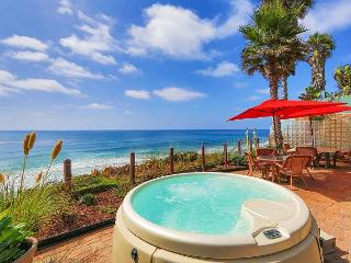 Oceanfront Rental, Large patio, private spa, all amenities included, Encinitas