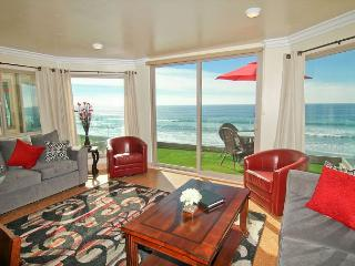 Oceanfront 11br/11ba home on the sand with rooftop deck, spa, newly built!, Oceanside