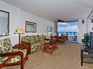 Ilikai Marina #988 - Ocean & yacht harbor views! Walk to beach, shops, restaurants! Sleeps 4. - Waikiki vacation rentals